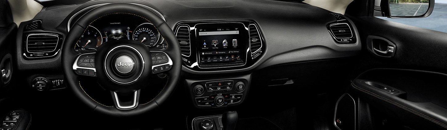 /content/dam/jeep/uk/model/compass/optimized-images/Compass-Mobile/compass-technology-1.jpg